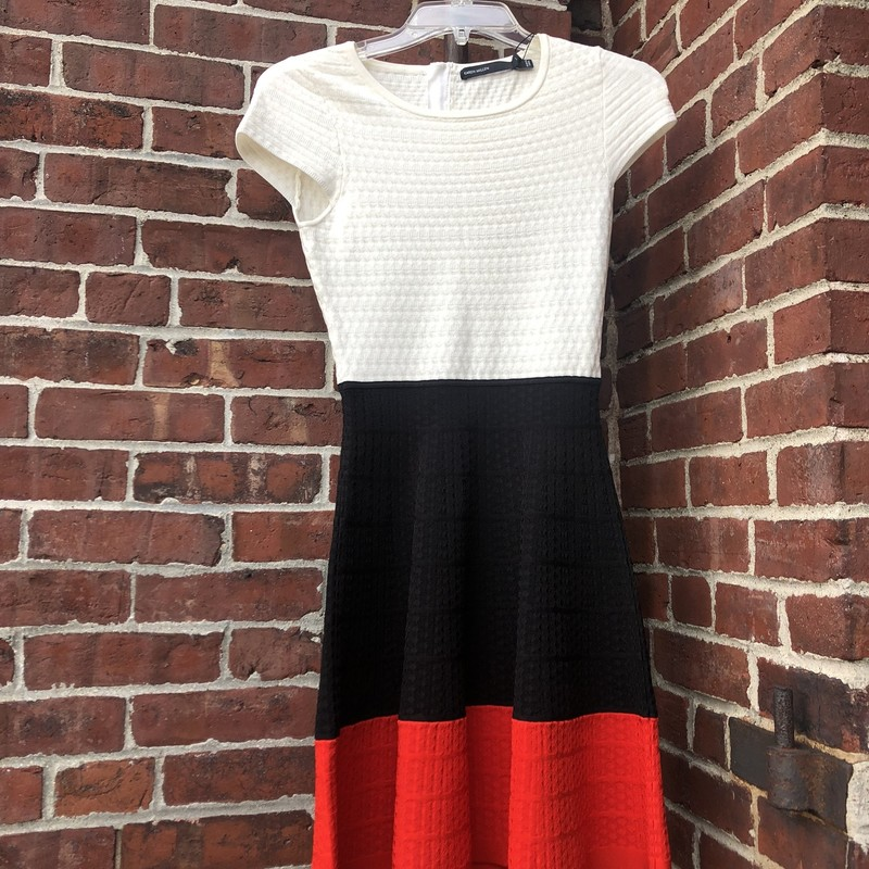 Karen Millen Dress in White Black and Red.  Nips in at waist.  Sturdy weave holds shape and flatters figure. NWT Retails at $299,  Size: 1