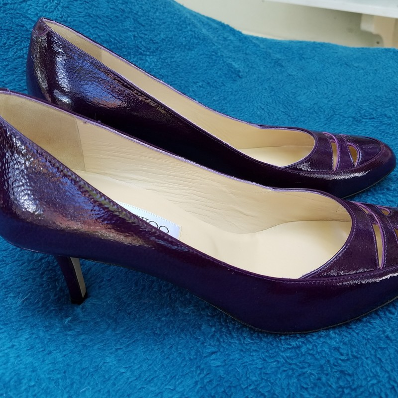 Amazing JIMMY CHOO Purble Kittens<br /> Never worn<br /> size 37<br /> New Cost $575<br /> Box included