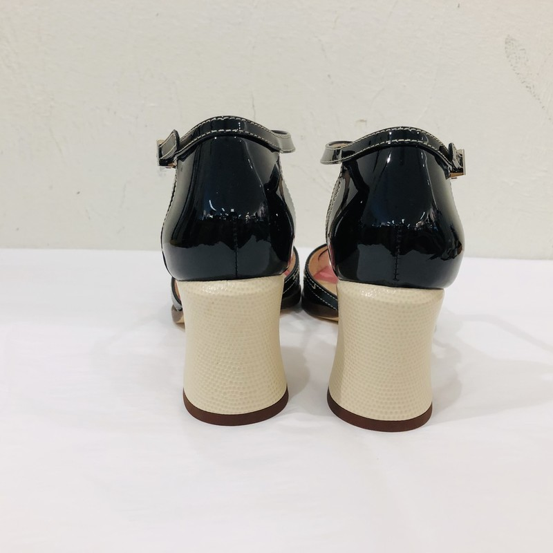 LIKE NEW Fendi black/cream/pink colorblock chunky heel peeptoe, patent and embossed look<br /> <br /> Size 37.5
