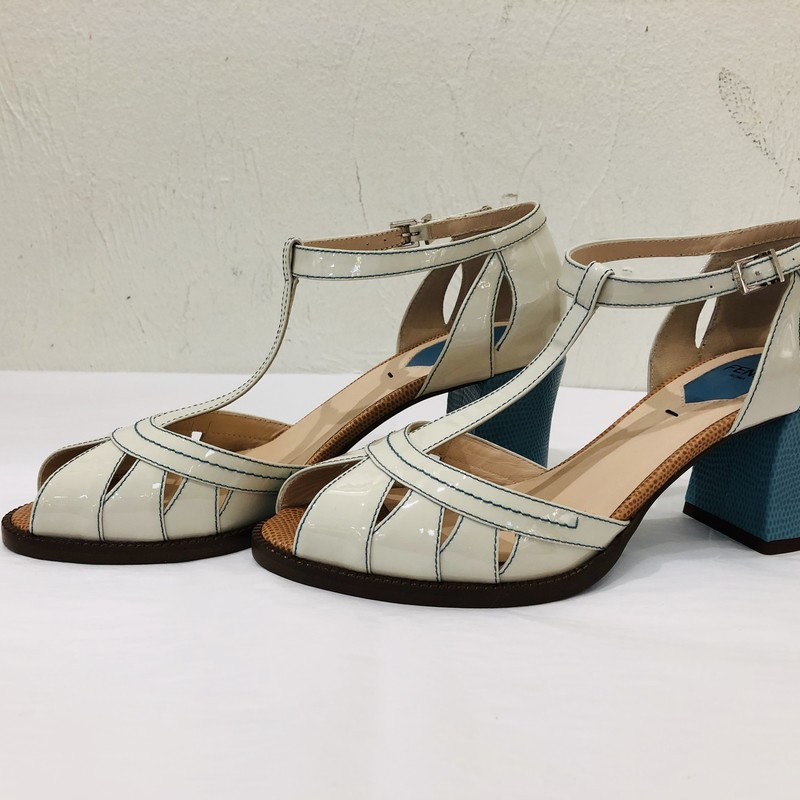 LIKE NEW Fendi turquoise/cream/cognac colorblock chunky heel peeptoe<br /> <br /> Size 37.5
