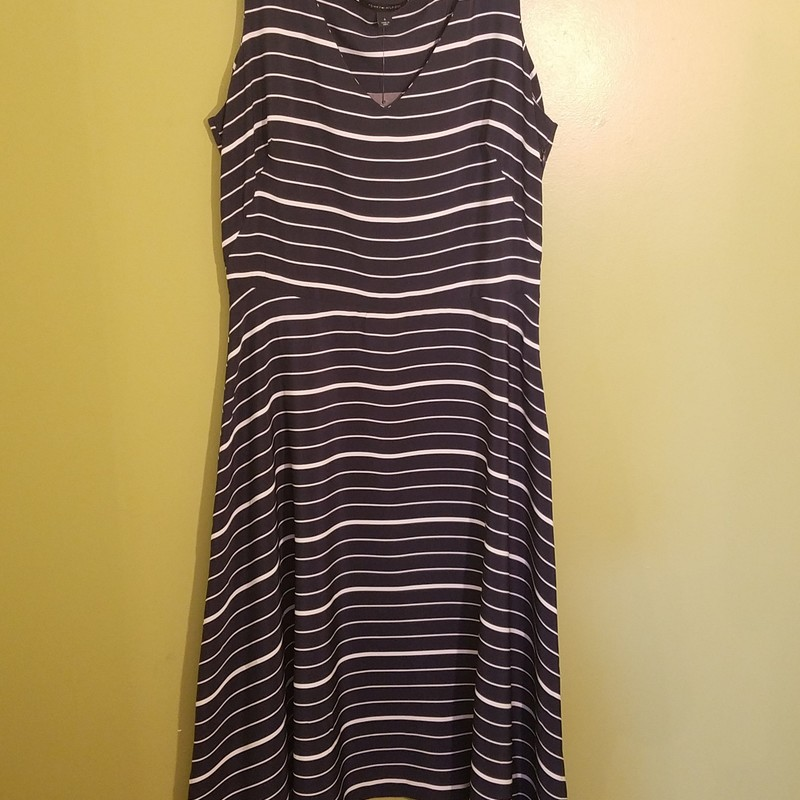NWT 100% polyester sidezip, midcalf dress with blue and white stripes