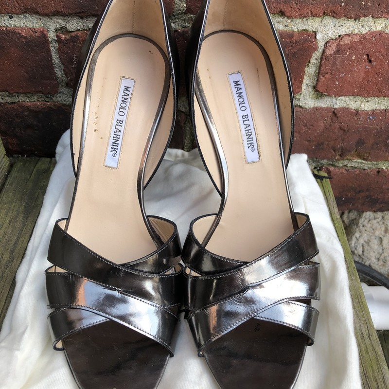 Manolo Blahnik Ret. $685, Pewter, Size: 10B<br /> Gorgeous sandalswith minor wear on soles! size 40/10.