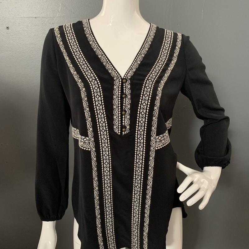 Veronica Beard Loreto Vnk top new with tags<br /> size 4<br /> black and white<br /> retail at $395