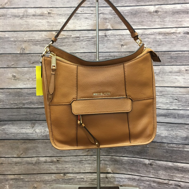 SALE NOW 20% off our price! Michael Kors Purse, Tan, Size:  Medium Was $179.99 now $143.99 Original Tags Attached retail price $348.00 . Extra Strap & dust cover Included.