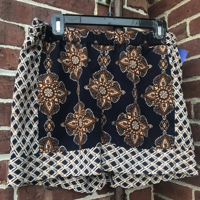 "The Limited Paisley & Geometric Print Shorts!<br /> Navy, Bronze & White in color<br /> Size: Medium<br /> 5"" Inseam"