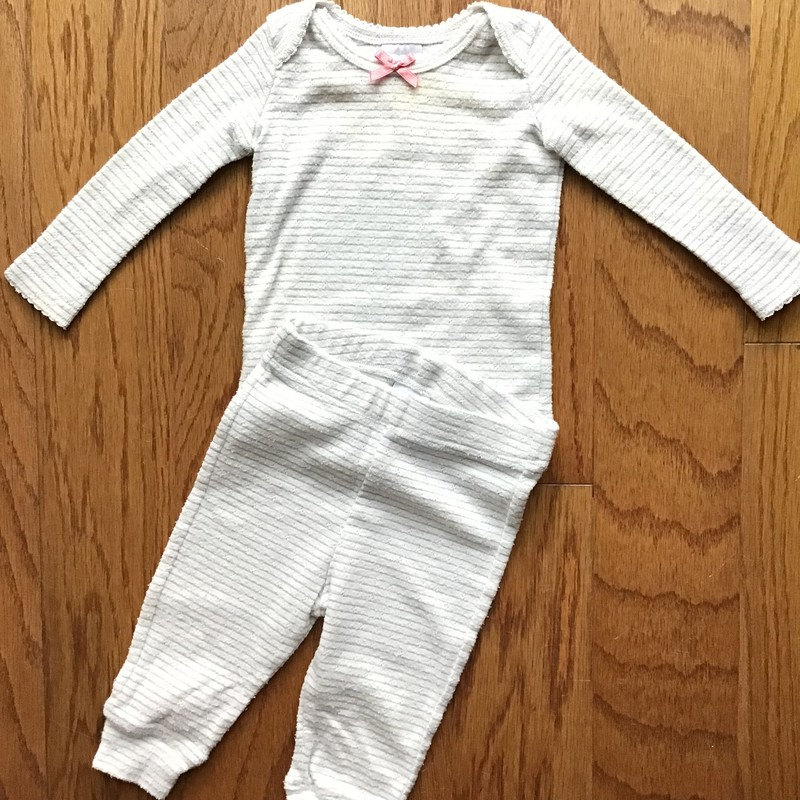 Baby Boden 2pc Outfit, Size: 3-6m<br /> <br /> <br /> Light pilling throughout<br /> <br /> ALL ONLINE SALES ARE FINAL.