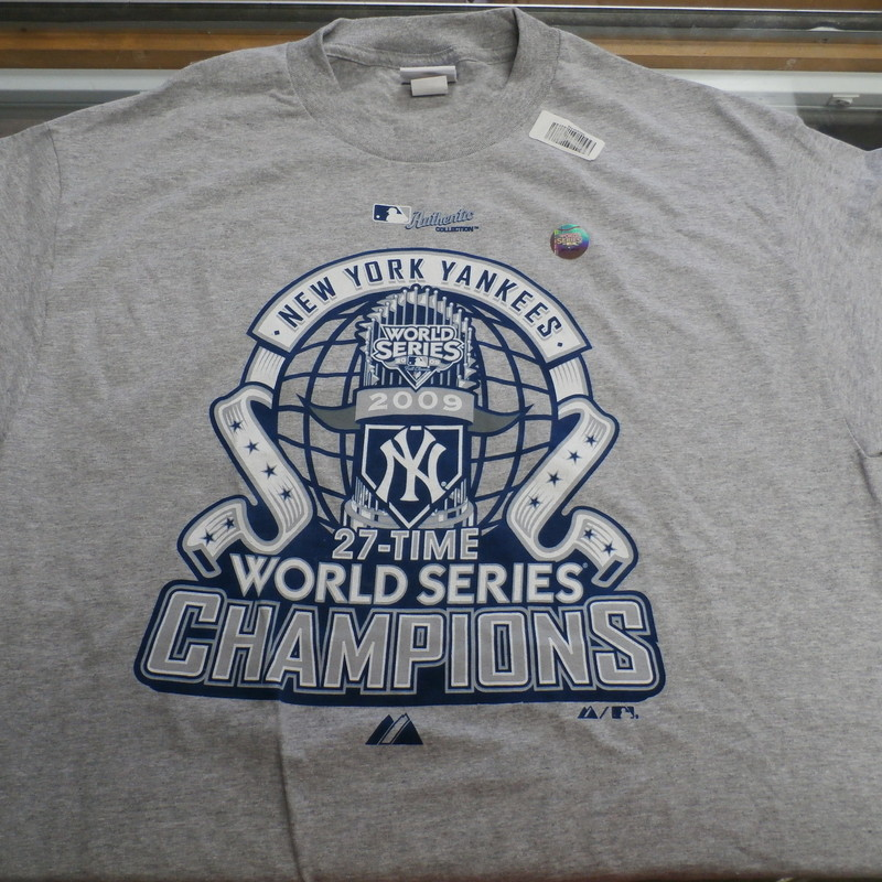 "Majestic Men's New York Yankees 2009 World Series Shirt Size Large Gray #34530<br /> Rating:   (see below) 1- Excellent Condition<br /> Team: New York Yankees<br /> Player: Team<br /> Brand:  Majestic<br /> Size: Men's  Large (Measured Flat: across chest 20"", length 30"" )<br /> Measured flat: armpit to armpit; top of shoulder to the bottom hem<br /> Color:  gray<br /> Style: screen pressed; short sleeve; shirt;<br /> Material:    90% cotton 10% polyester<br /> Condition: - 1- Excellent Condition - minor wrinkled; like new;<br /> Item #: 34530<br /> Shipping: FREE"