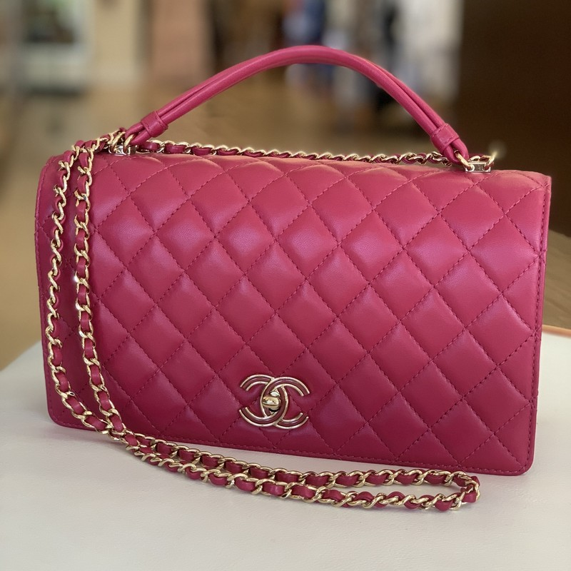 Chanel raspberry quilted accordian bag, amazing condition, long strap could be crossbody
