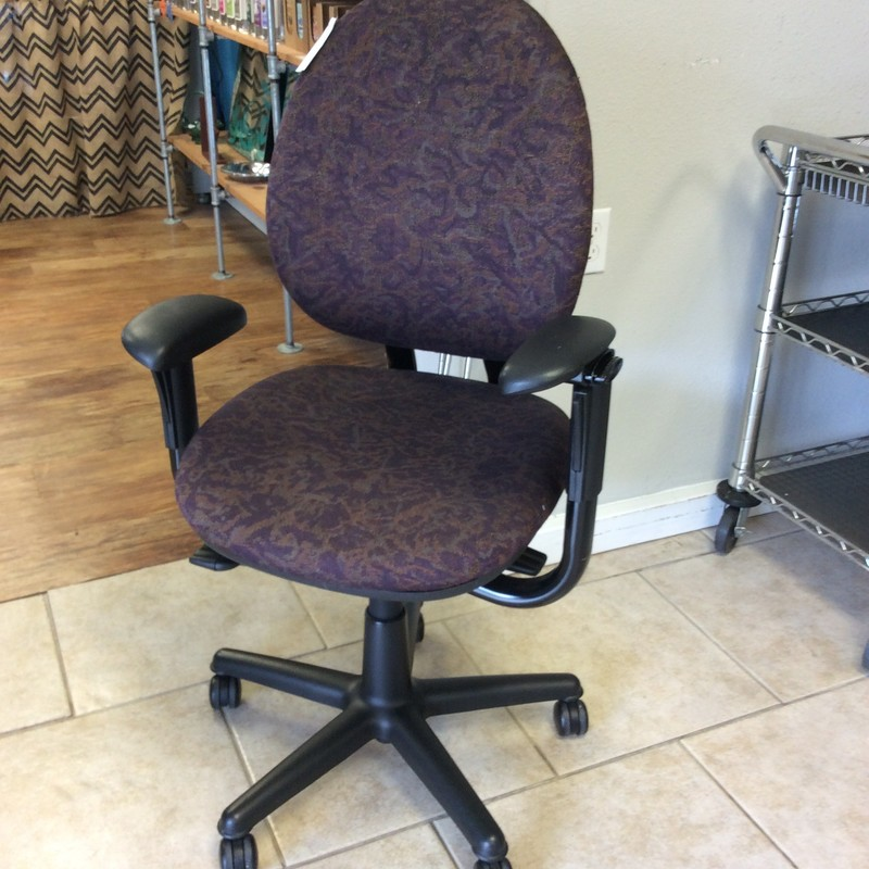 This comfy office chair is in very good condition. It is a STEELCASE, so very well made. The arms are adjustable, as well as the heighth, and the back. It rolls around on 5 casters.