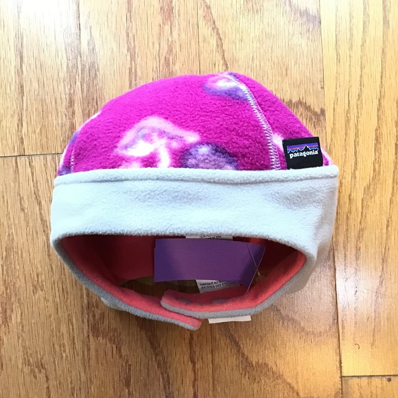 Patagonia Hat, Purple, Size: 3-6m<br /> <br /> SMALL STAIN<br /> <br /> <br /> ALL ONLINE SALES ARE FINAL. NO RETURNS OR EXCHANGES.