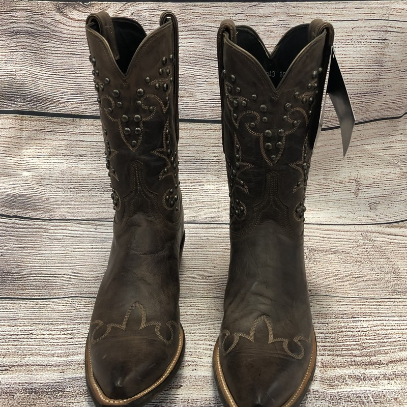 New Lucchese Cowgirl Boots with studs.  Beautiful brown leather Size: 10  In great shape!<br /> They are stunning!  Original retail $420