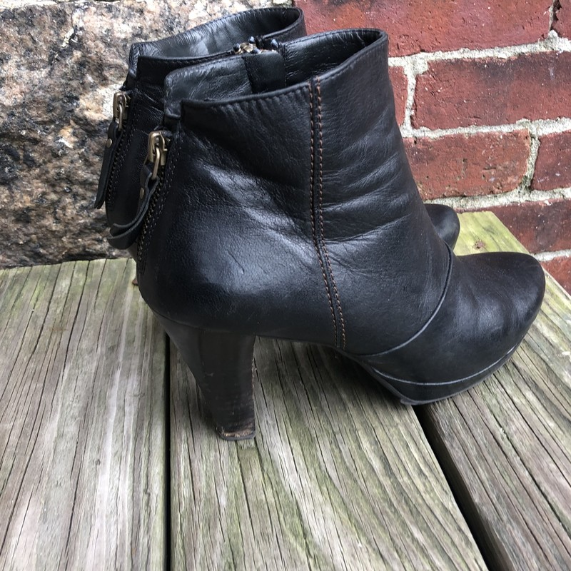 "Paul Green Booties, Black, Size: 8.5<br /> Black Leather boots 3.5"" heel in very good condition."