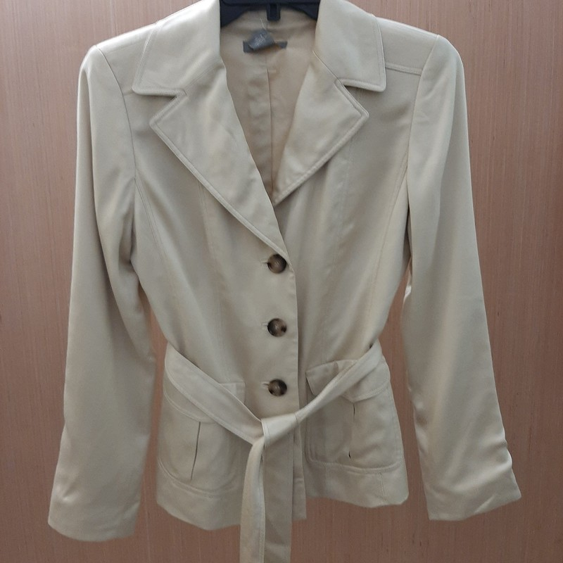 Perfect petite jacket from feminine collection of outerwear for women. Jacket has belted waist and two pockets on the front. 100% SILK. Three buttons on the front and on the sleeves.