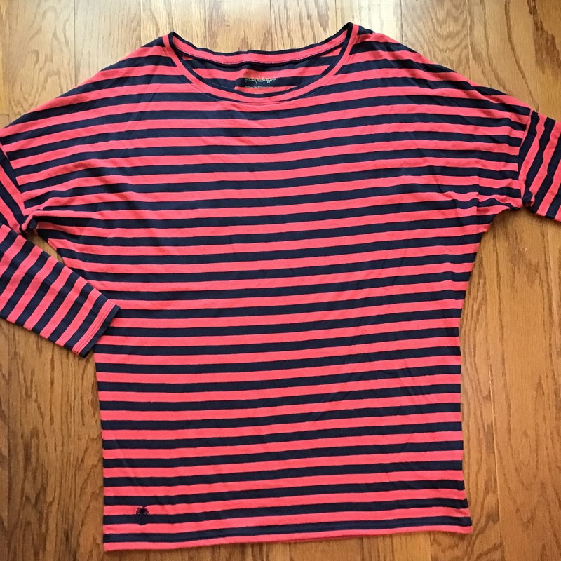 Lilly Pulitzer Shirt, Stripe, Size: Medium<br /> <br /> <br /> WOMENS SIZE<br /> <br /> ALL ONLINE SALES ARE FINAL. NO RETURNS OR EXCHANGES.