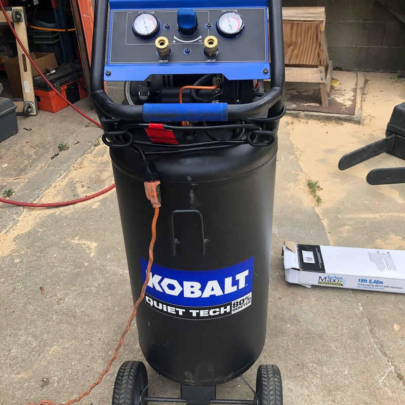 KOBALT Quiet Tech 26 Gallon 150-PSI Air Compressor<br /> <br /> *EXCELLENT LIKE NEW CONDITION*