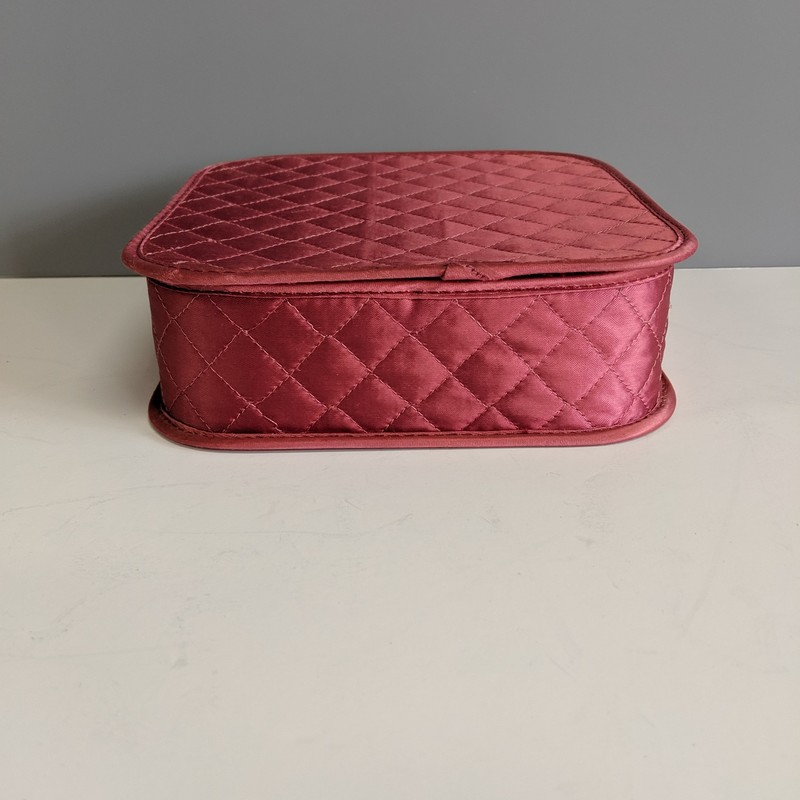 Quilted Satin Box<br /> Pink<br /> Size: 7.25x2.25