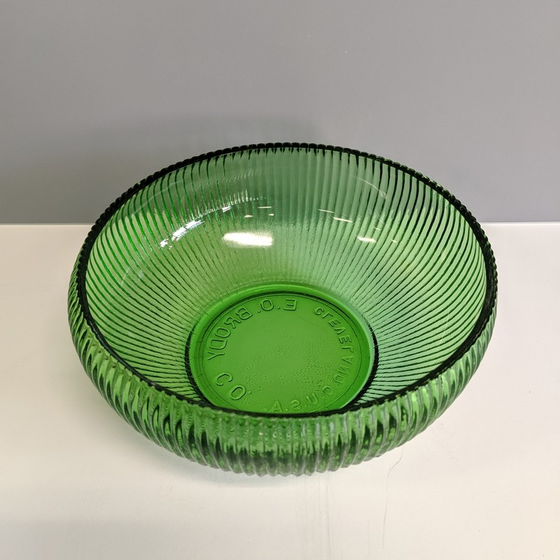 Glass Bowl E.O. Brody Co<br /> Green<br /> Size: 6.5x2.5