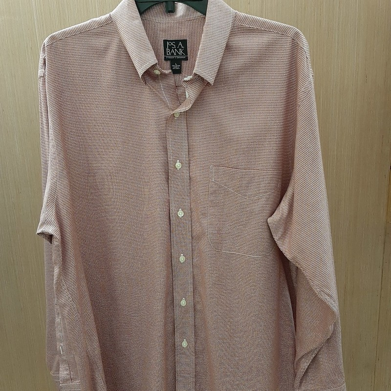This Travelers Collection button down shirt has perfect Autumn colors to bring you into the Fall season. It is an L and is in great condition!