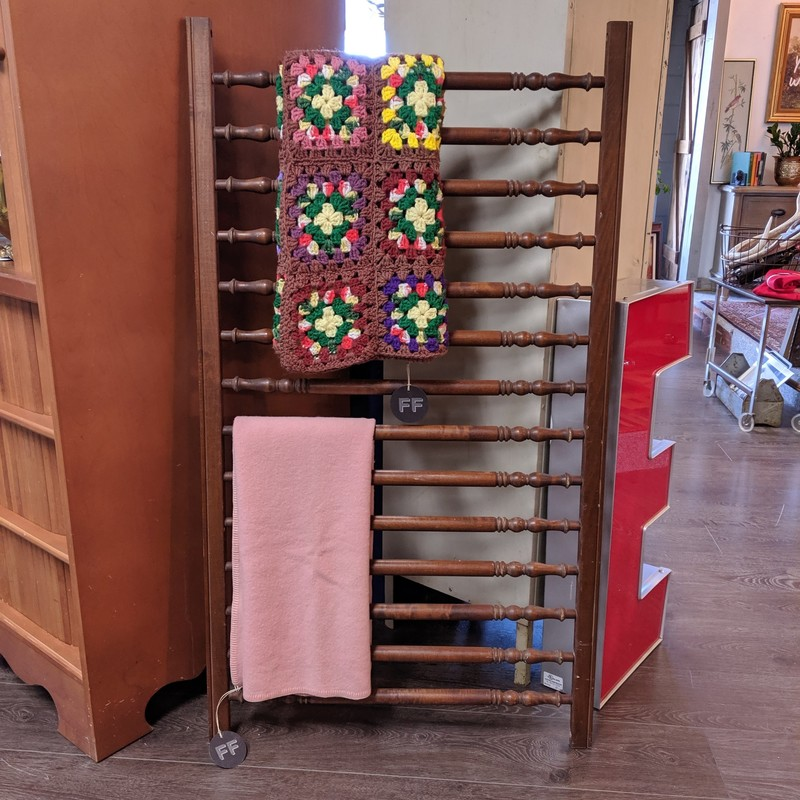 Crib Railing Ladder<br /> Wooden<br /> Size: 28x50