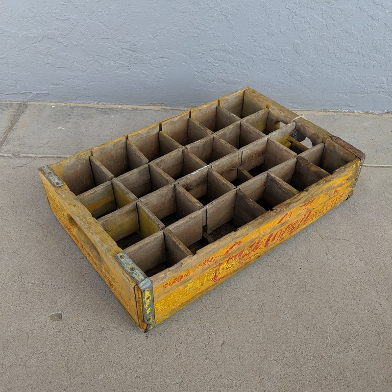 Coke Crate Vintage<br /> Yellow<br /> Size: None