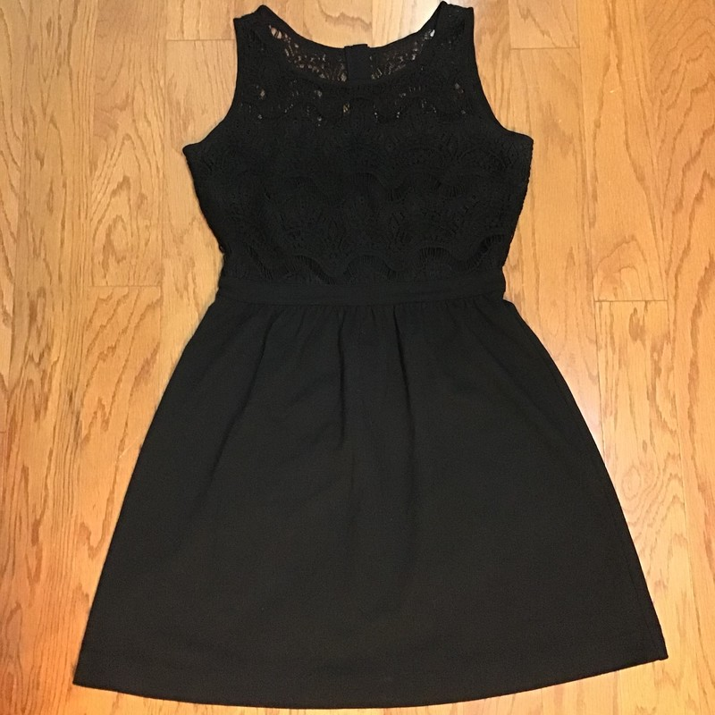 Lilly Pulitzer Dress, Black, Size: Medium<br /> <br /> <br /> ALL ONLINE SALES ARE FINAL. NO RETURNS OR EXCHANGES.