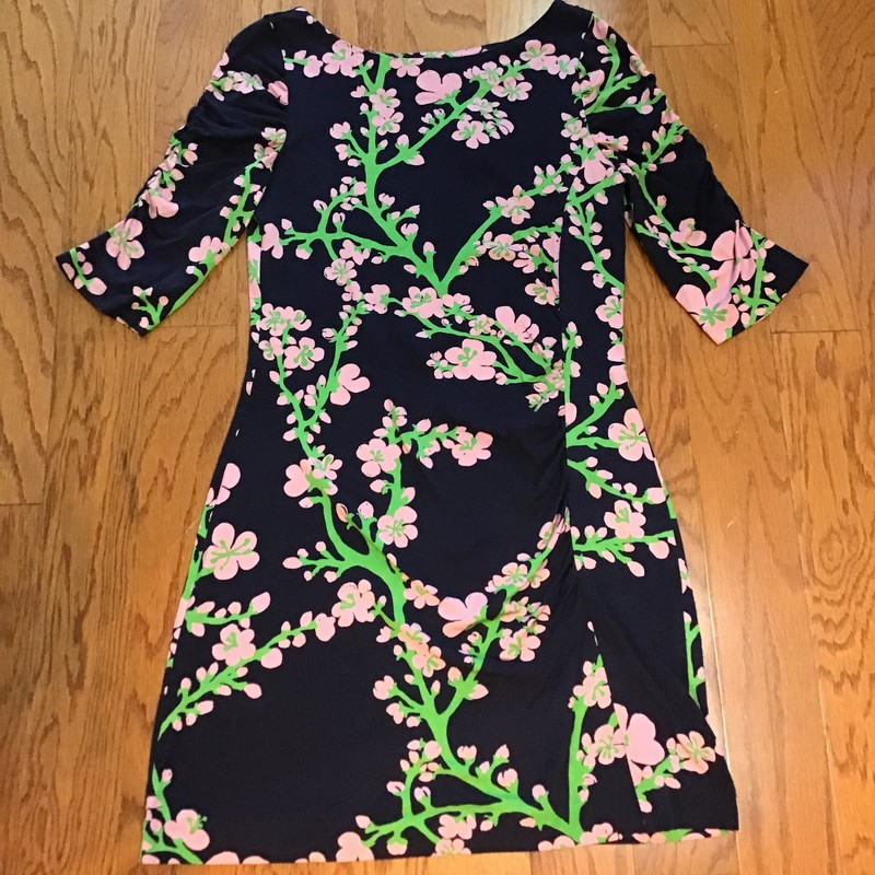 Lilly Pulitzer Dress, Navy, Size: Large<br /> <br /> <br /> WOMENS SIZE<br /> <br /> <br /> ALL ONLINE SALES ARE FINAL. NO RETURNS OR EXCHANGES.