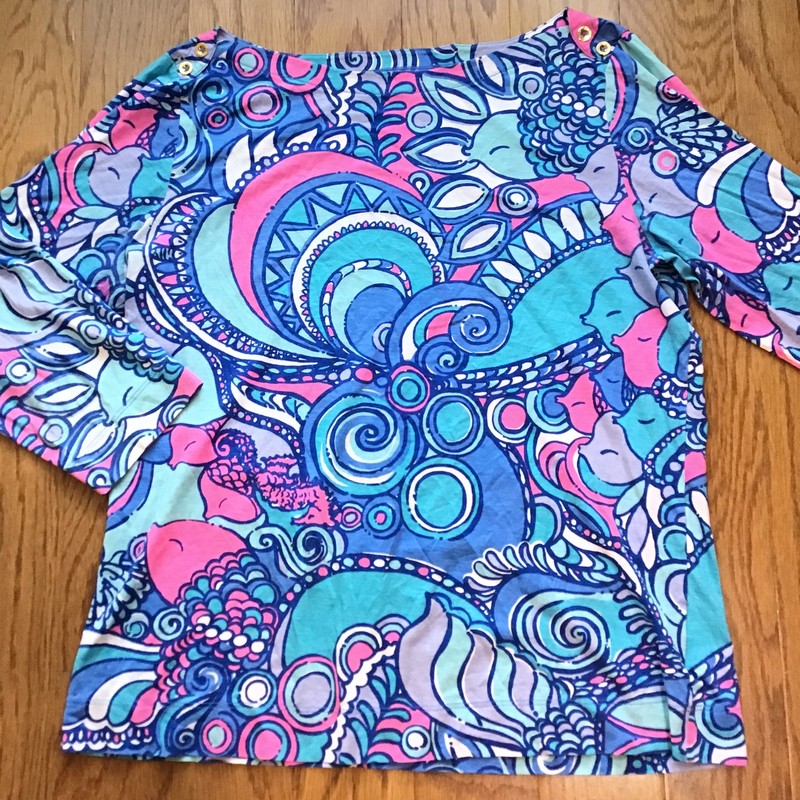 Lilly Pulitzer Shirt, Blue, Size: Large<br /> <br /> <br /> WOMENS SIZE<br /> <br /> <br /> ALL ONLINE SALES ARE FINAL. NO RETURNS OR EXCHANGES.