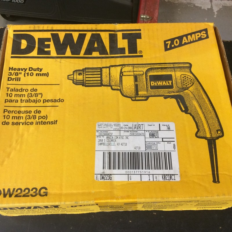 "DeWALT DW223G Heavy Duty 3/8"" Variable Speed / Reversing Drill.<br /> <br /> *EXCELLENT CONDITION*"