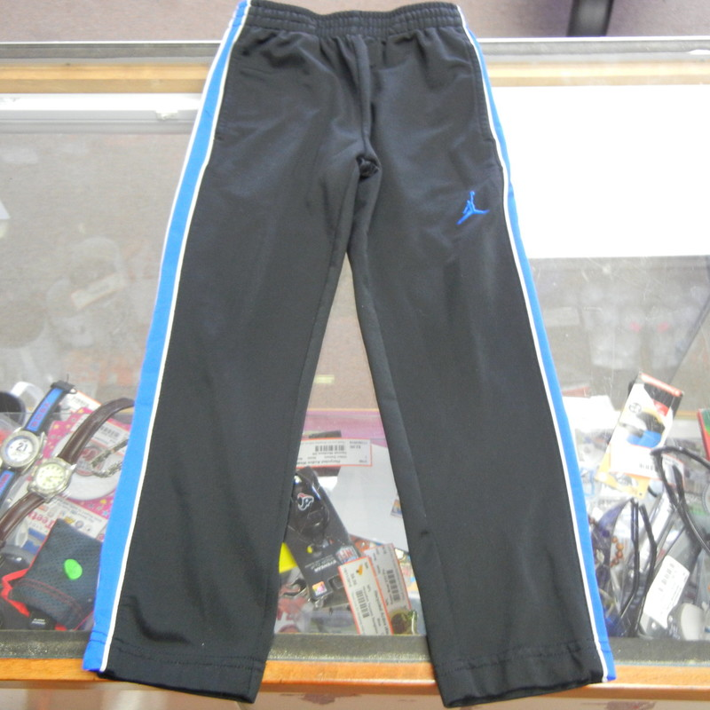 "Jordan Youth Athletic Sweat Pants Size 4-5 Black Polyester #10053<br /> Rating:   (see below) 2 - Great Condition<br /> Team: n/a<br /> Player: n/a<br /> Brand: Jordan<br /> Size: 4-5  YOUTH(waist 18""; Length 25""; Inseam 18"") <br /> measurements are from armpit to armpit and from shoulder to hem; - please check measurements.  <br /> Color: Black<br /> Style: Athletic sweat pants; elastic waist; Pockets; Embroidered logo<br /> Material: Body: 100 Nylon; Trim: 100 Polyester <br /> Condition: - Great Condition - wrinkled; Material looks and feels great; Minor pilling and fuzz; No stains rips or holes(See Photos for condition and description)<br /> Shipping: $3.37<br /> Item #: 10053"