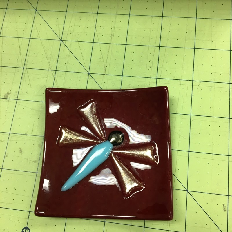Fused Glass Dragonfly Dis, Burgundy, Size: 3x3