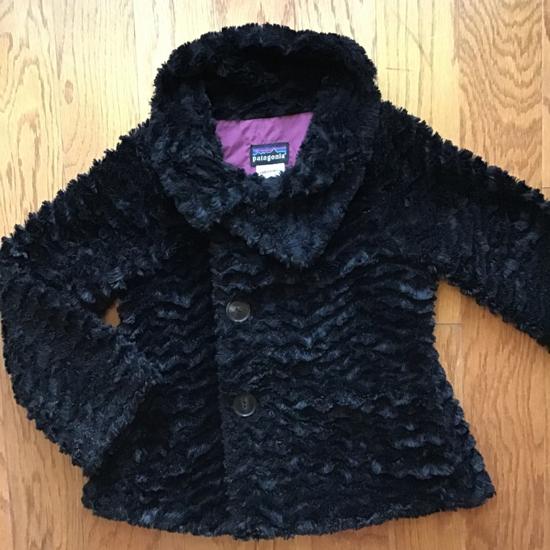 Patagonia Fur Coat, Black, Size: 8<br /> <br /> <br /> ALL ONLINE SALES ARE FINAL. NO RETURNS OR EXCHANGES.