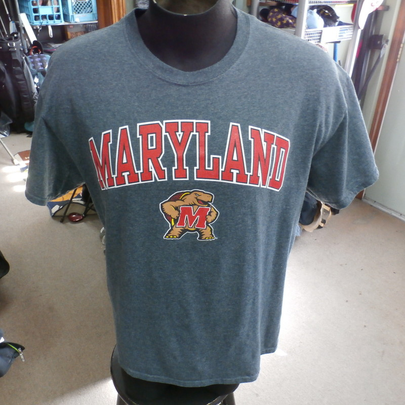 "Maryland Terrapins gray Gildan shirt men's large cotton/polyester blend #19056<br /> Rating: (see below) 2- Great Condition<br /> Team: Maryland Terrapins<br /> Player: n/a<br /> Brand: Gildan<br /> Size: Men's Large- (Measured Flat: Across chest 22""; Length 28"")<br /> Measured Flat: underarm to underarm; top of shoulder to bottom hem<br /> Color: gray<br /> Style: short sleeve; screen printed<br /> Material: 50% cotton 50% polyester<br /> Condition: 2- Great Condition: gently used (see photos)<br /> Item #: 19056<br /> Shipping: FREE"