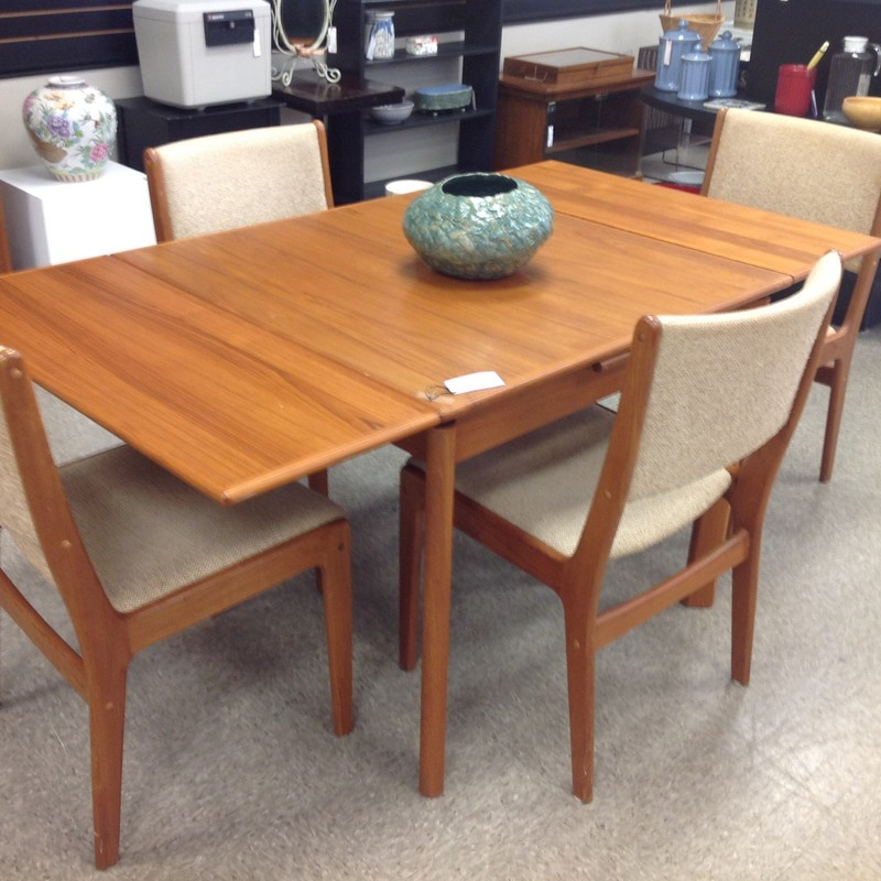 Danish Modern Table 4 Cha, Teak, Size: 35x35