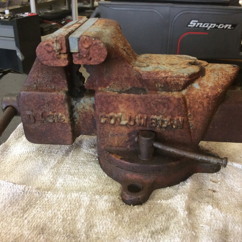 "Columbian D4 3-1/2"" Swivel Bench Vise with Anvil and Hardy Hole"