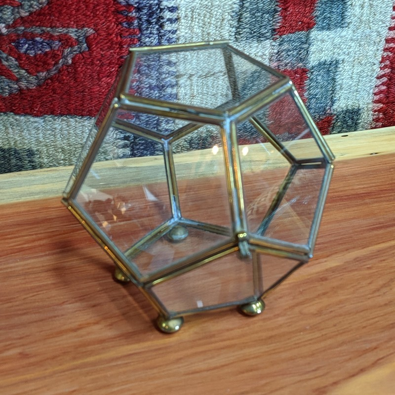 Geometric Glass Box<br /> Brass<br /> Size: 5x5