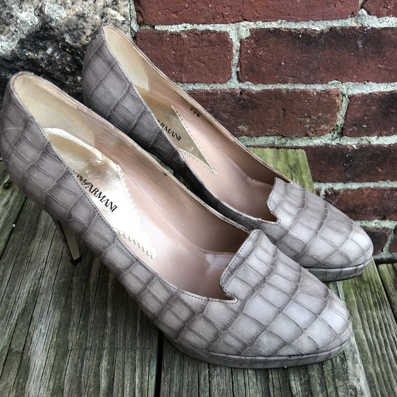 Emporio Armani Pumps, Taupe, Size: 9<br /> New condition size 39.5