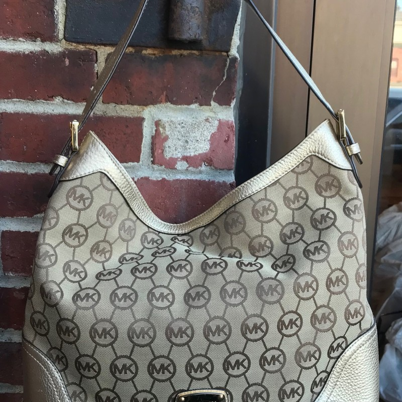 Michael Kors Hobo, Tan, Size: Medium<br /> Very good condition