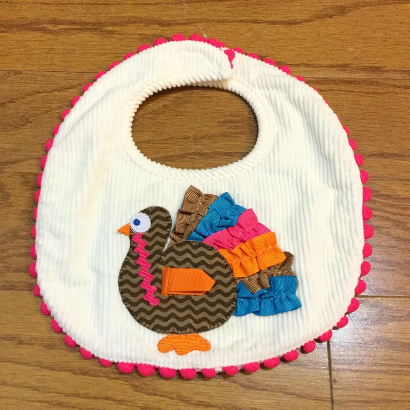 Mudpie Thanksgiving Bib, White, Size: None<br /> <br /> <br /> ALL ONLINE SALES ARE FINAL. NO RETURNS OR EXCHANGES.