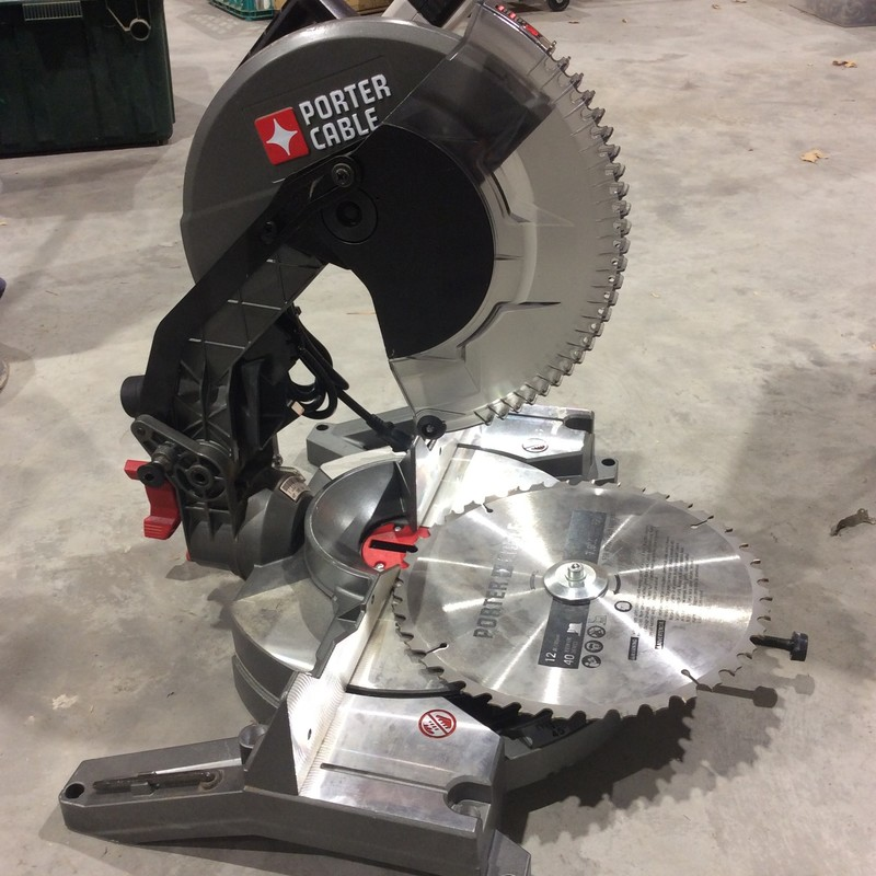 Porter Cable 12-in Single Bevel Compound Corded Miter Saw.