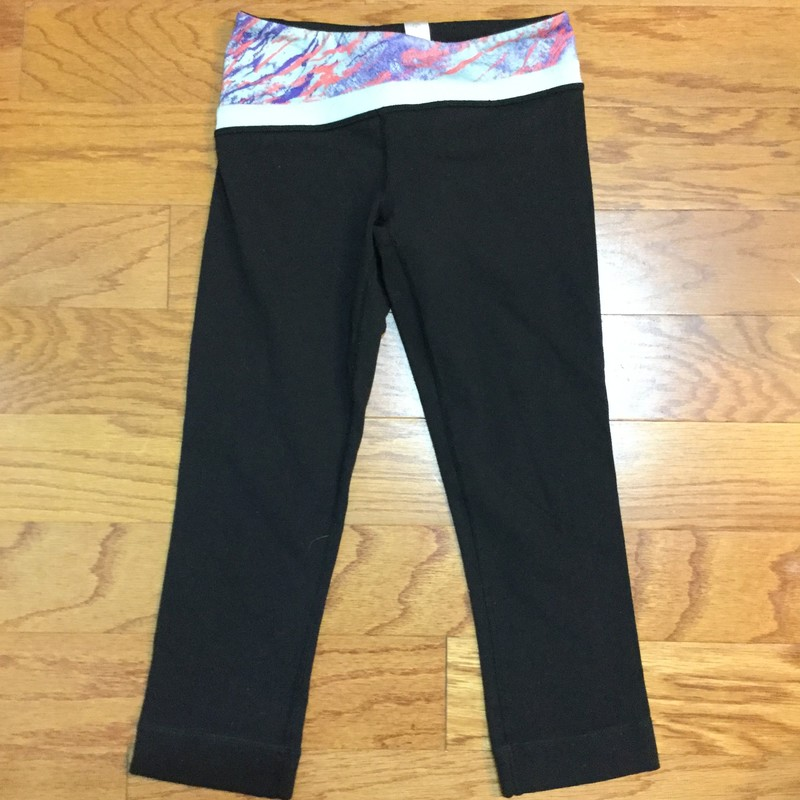 Ivivva Pant, Black, Size: 10<br /> <br /> <br /> Light pilling but in overall good shape<br /> <br /> <br /> ALL ONLINE SALES ARE FINAL. NO RETURNS OR EXCHANGES.