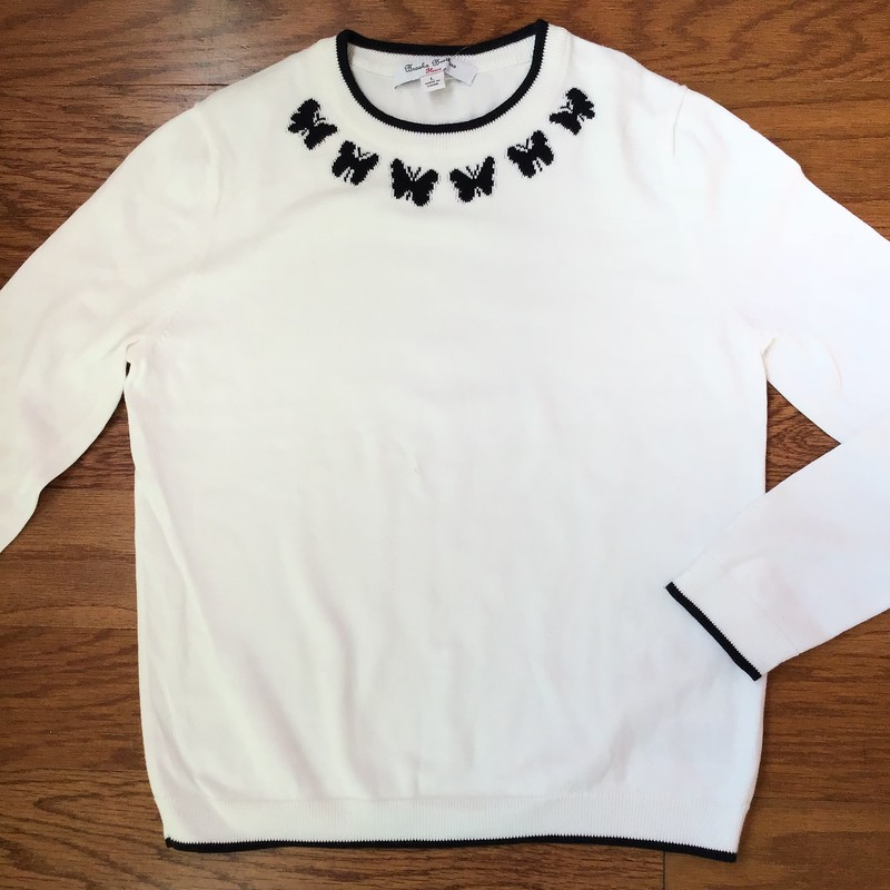 Brooks Brothers Sweater, White, Size: Large<br /> <br /> <br /> ALL ONLINE SALES ARE FINAL. NO RETURNS OR EXCHANGES.