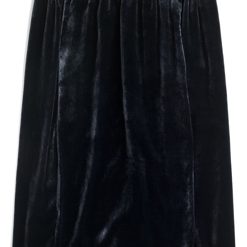 "J. Crew (s) Velvet Pull On Skirt, Midnight, Size: Small NWT orig. rtl: $89.50<br /> <br /> ""A pretty pull-on skirt in luxurious velvet is exactly what your fall closet needs.<br /> <br />     Rayon/silk.<br />     Lined.<br />     Dry clean.<br />     Import."""