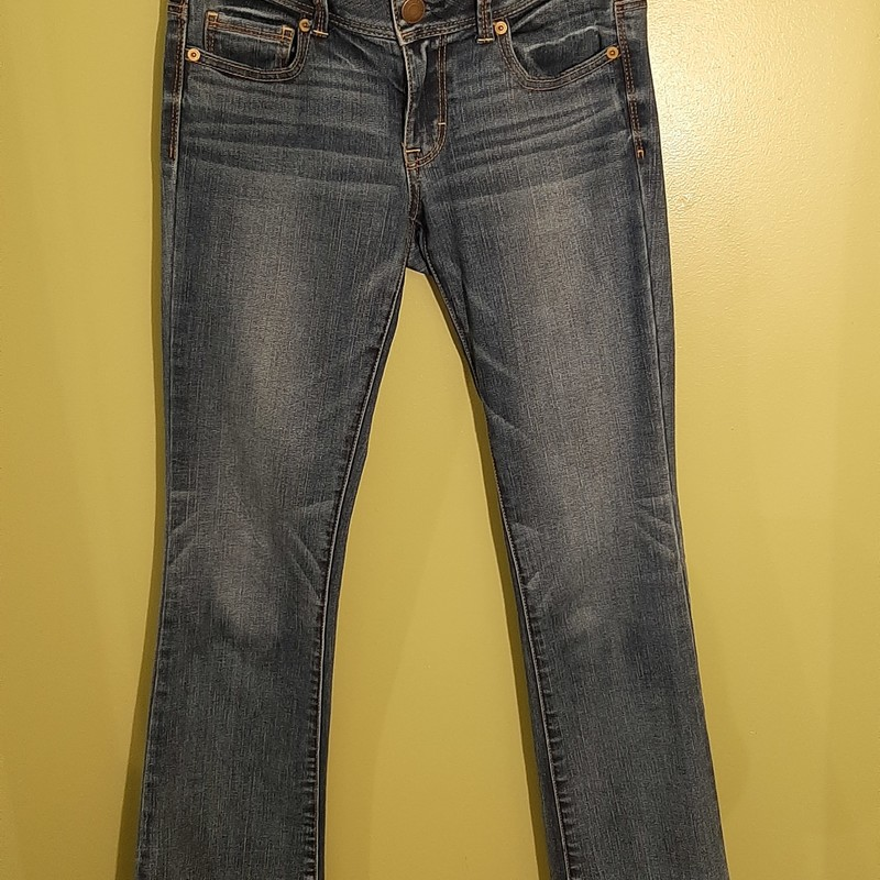 American Eagle Jeans in dark wash. Size 4.