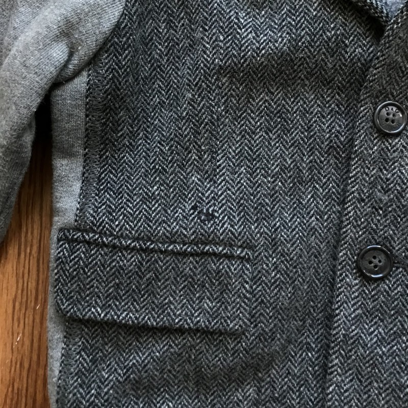 Dolce Gabbana Wool AS IS, Gray, Size: 4<br /> <br /> <br /> AS IS PLEASE SEE PHOTO<br /> <br /> ALL ONLINE SALES ARE FINAL. NO RETURNS OR EXCHANGES.