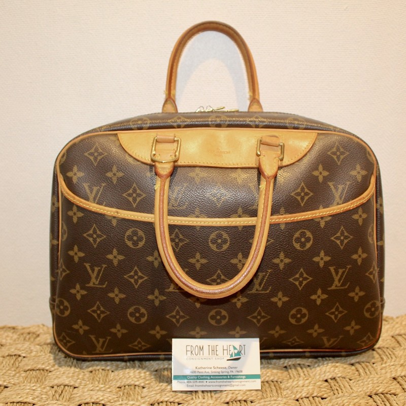 Louis Vuitton Deauville, Mono, Size: . Certificate of Authenticity included