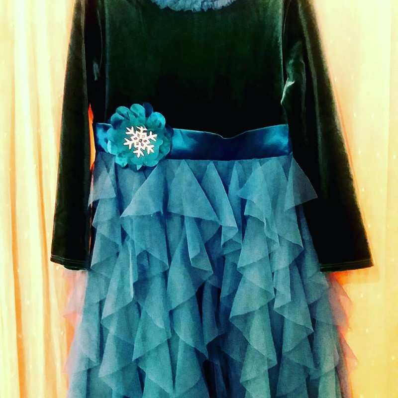 American Girl Holiday Dress<br /> Black and teal<br /> <br /> Size: 7