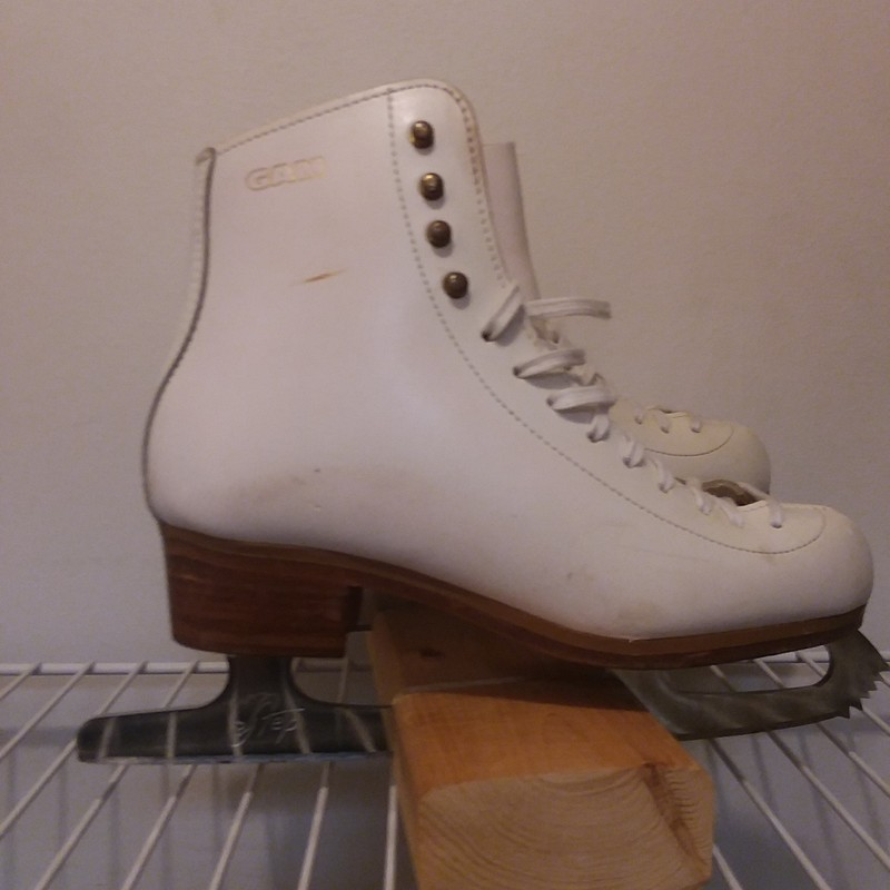 Gam #0035 Elite, White, Size: 6, with Step figure skate steel