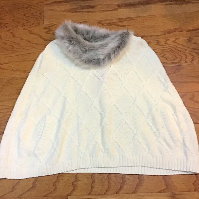 Janie Jack Poncho, White, Size: 5<br /> <br /> <br /> ALL ONLINE SALES ARE FINAL. NO RETURNS OR EXCHANGES.