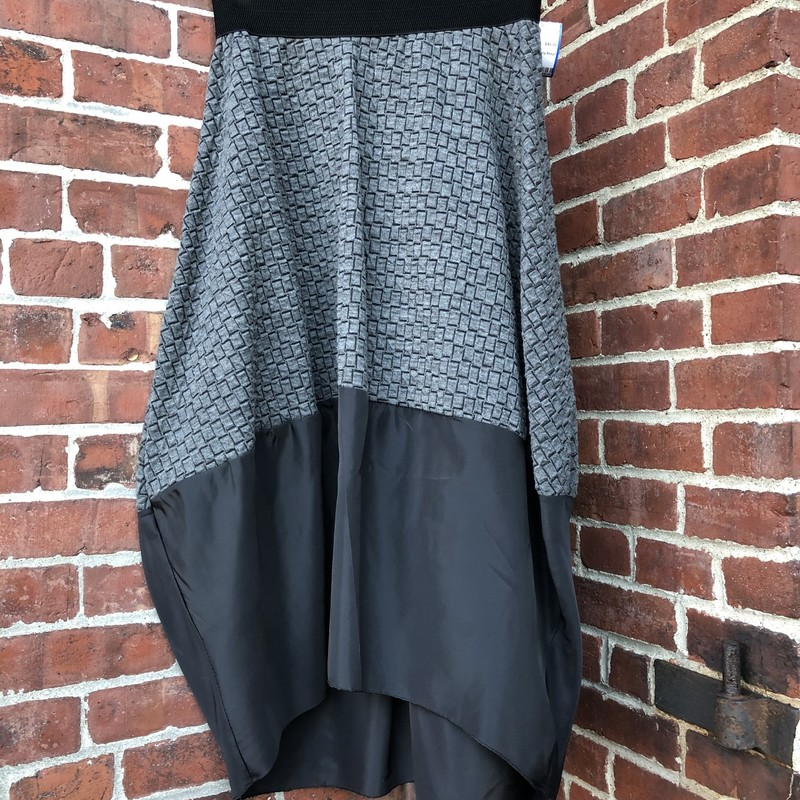 Contemporary Boutique Sk, Gray, Size: S/M<br /> Elastic waist Assymetrical stretch skirt