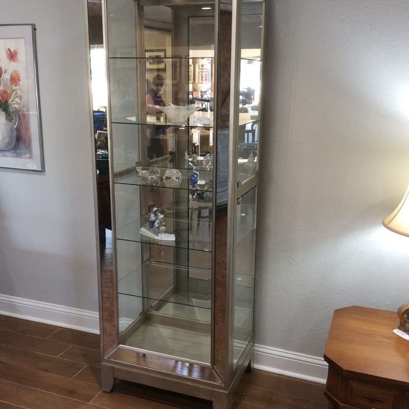 WOW, this PULASKI cabinet is very elegant looking! In fact, I've not seen one quite like it before. Inside, there are 5 glass shelves, all with plate grooves, and 4 of them are adjustable. There are 2 glass doors on each side, to access contents.
